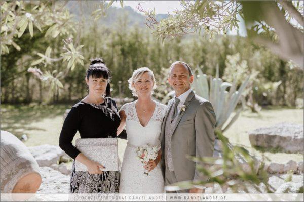 Ich mit dem Brautpaar.