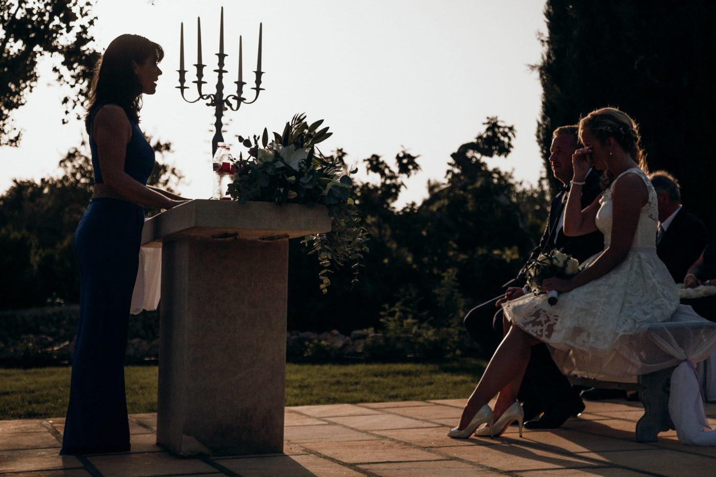 Silhouettenfoto von mir und dem Brautpaar während der Trauung.