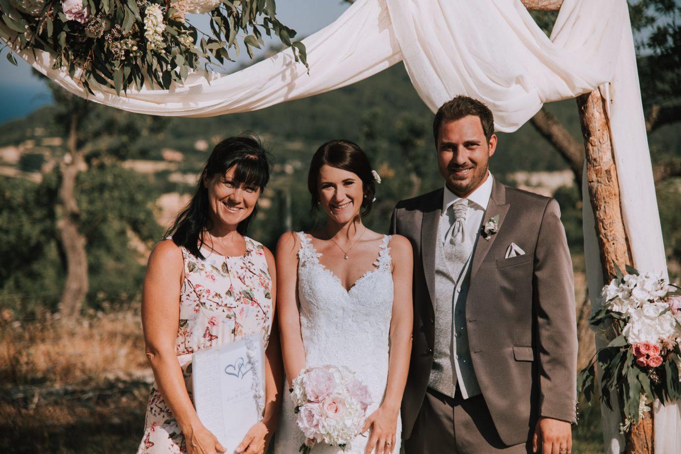 Ein Erinnerungsfoto von mir und dem glücklichen Brautpaar auf Mallorca.