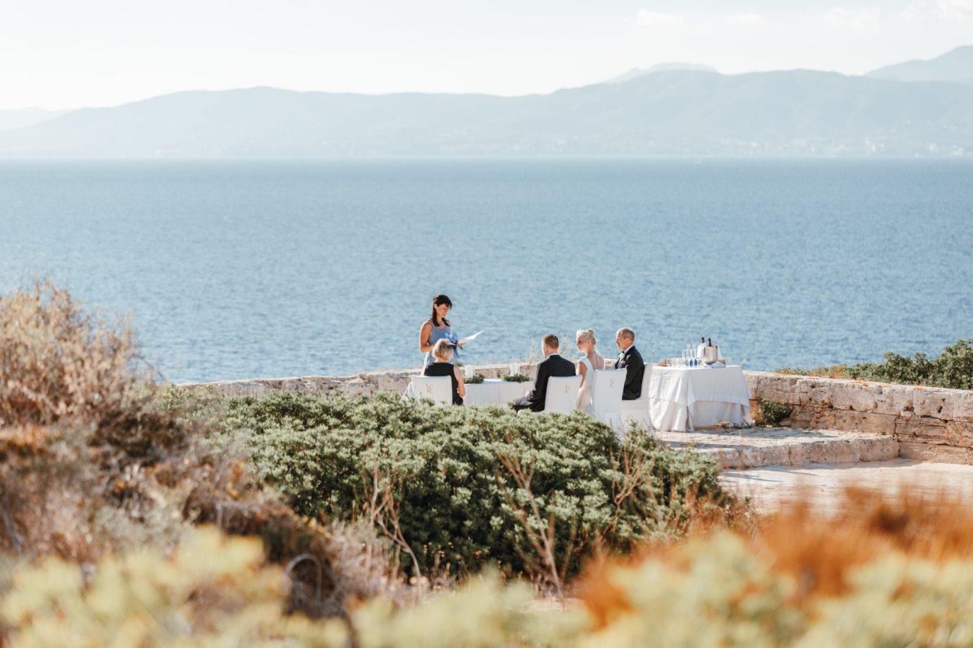 Ich als Hochzeitsrednerin im Hotel Cap Rocat.