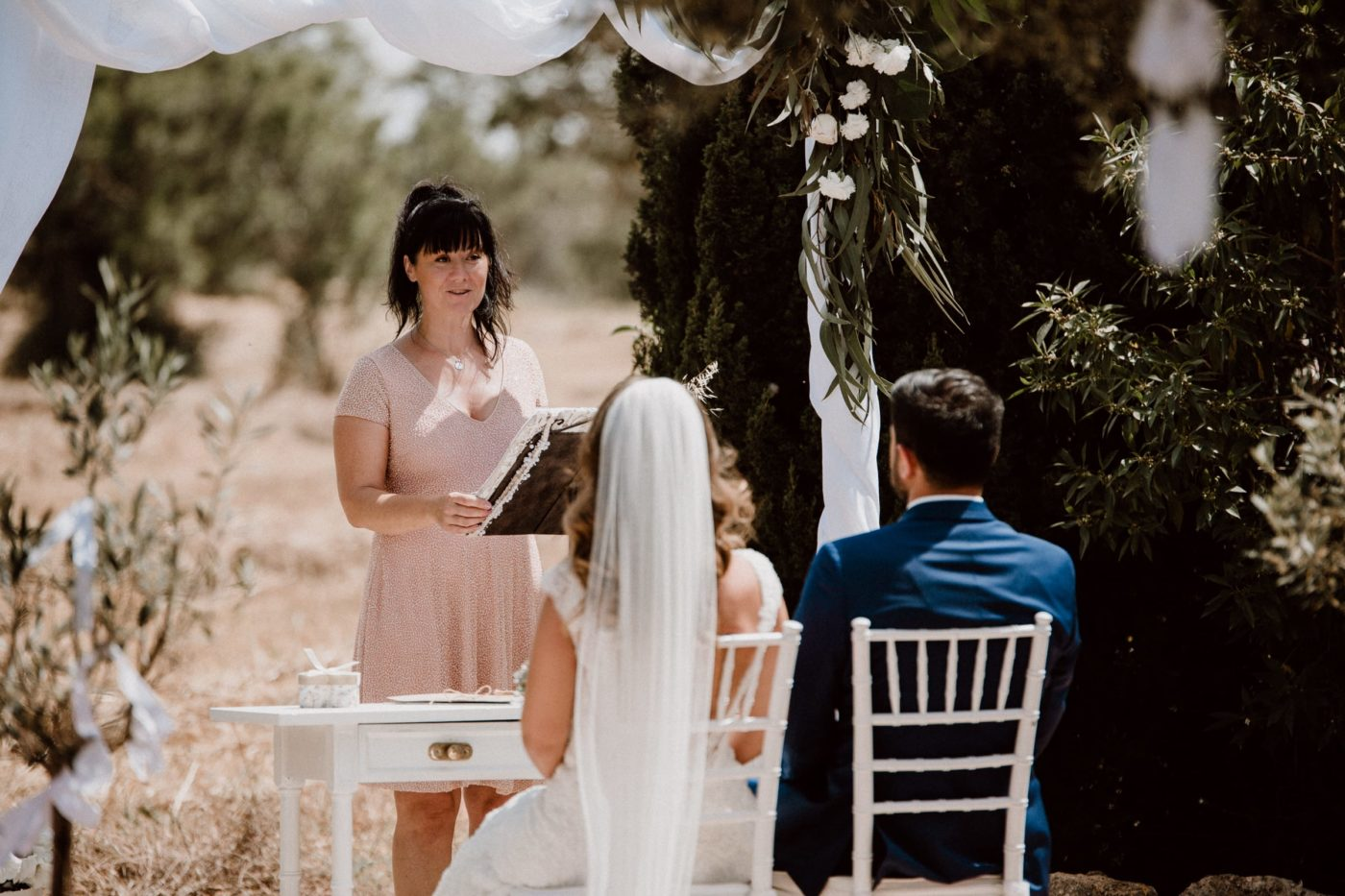 Ich und das Brautpaar während der Trauung auf einer privaten Finca der Insel Mallorca.