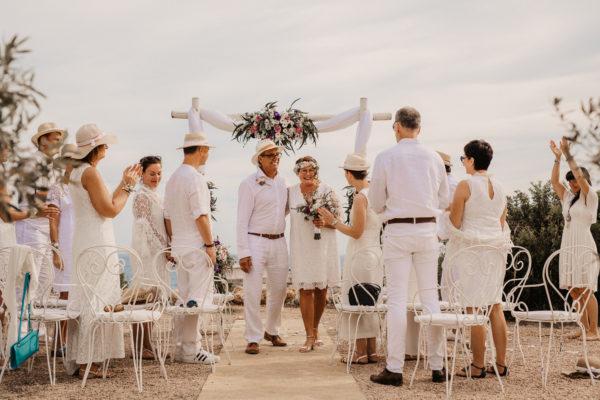 Auszug des Silberhochzeitspaares nach der Erneuerung ihres Eheversprechens.